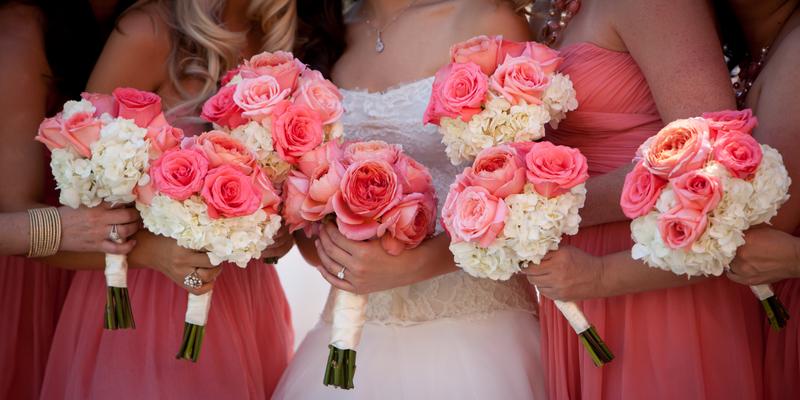 Svatební kytice pro jarní svatbu
